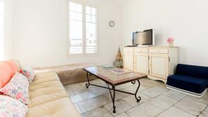 Salon de l'appartement 3 pièces à Cannes