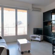 Mobilier du salon location appartement Cannes